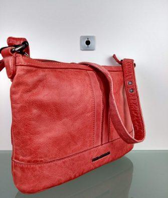 Handtasche PETAL aus softem Leder von FREDsBRUDER