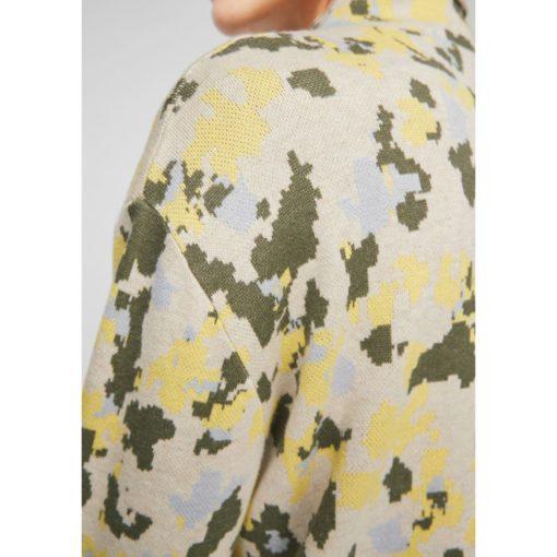 Camouflage Pullover mit Turtleneck