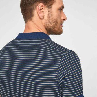 Poloshirt mit schmalen Streifen