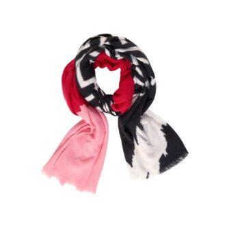 Kuscheliger Schal im Colour Mix